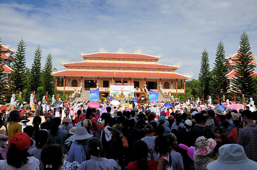 Lễ giỗ Tổ Hùng Vương tại chùa Tháp Kỳ Quang II