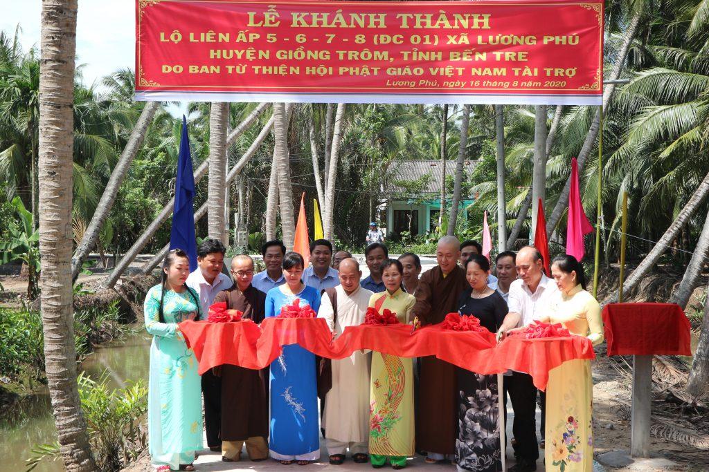 Bến Tre: Lễ khánh thành Tuyến lộ liên ấp 5,6,7, ấp Lương Phú – do Ban TTXH PG tỉnh tài trợ