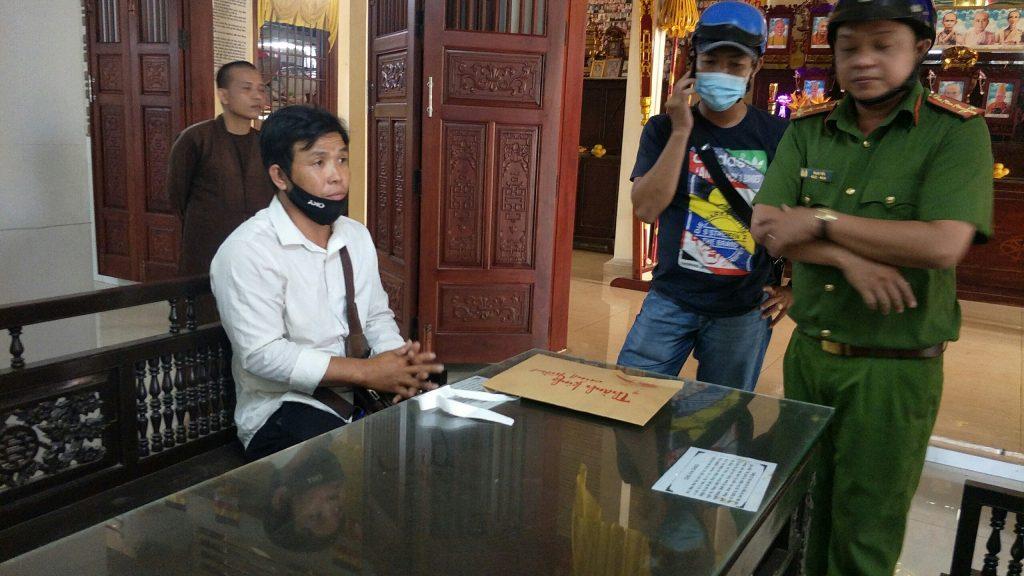 Bến Tre: Cảnh giác – Chùa Viên Minh bắt giữ đối tượng nam Thanh niên trộm tiền công đức Tam Bảo