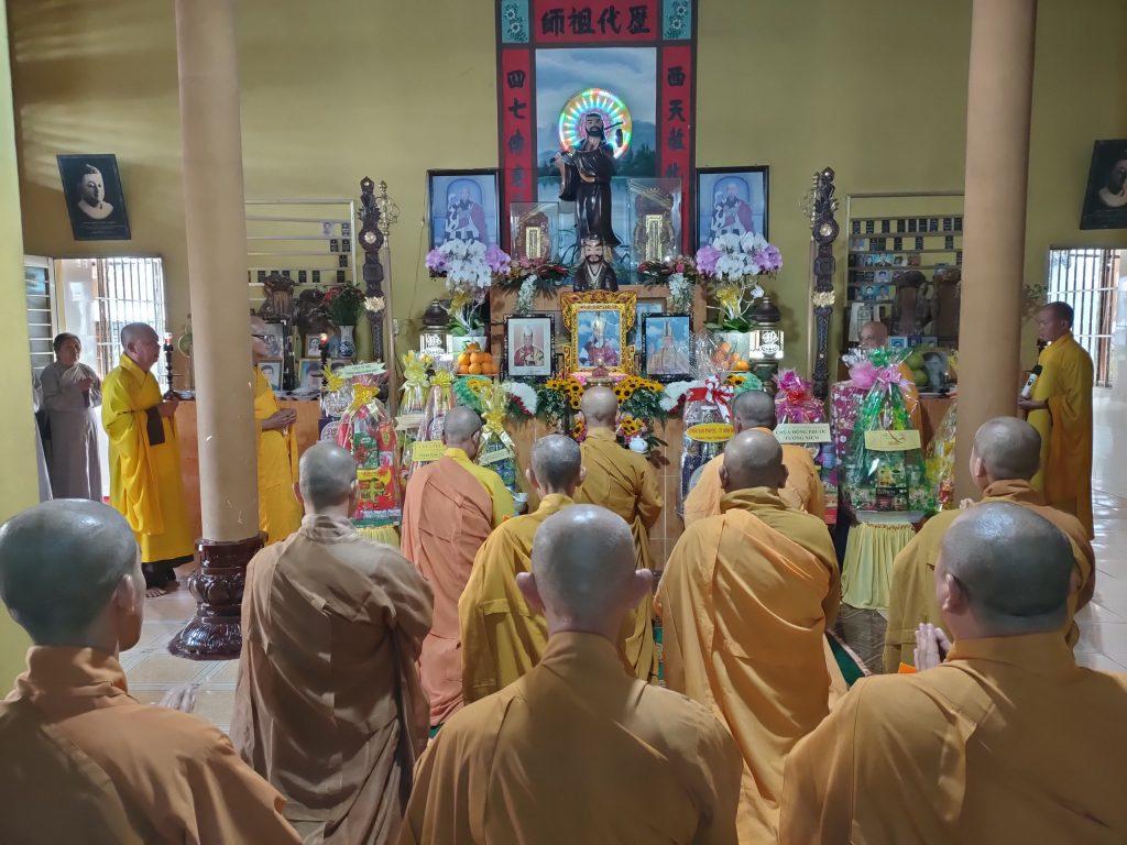 Bến Tre: Chùa Linh Quang tổ chức Lễ húy kỵ và tảo Tháp tưởng niệm cố Hòa Thượng Thích Thiện Duyên
