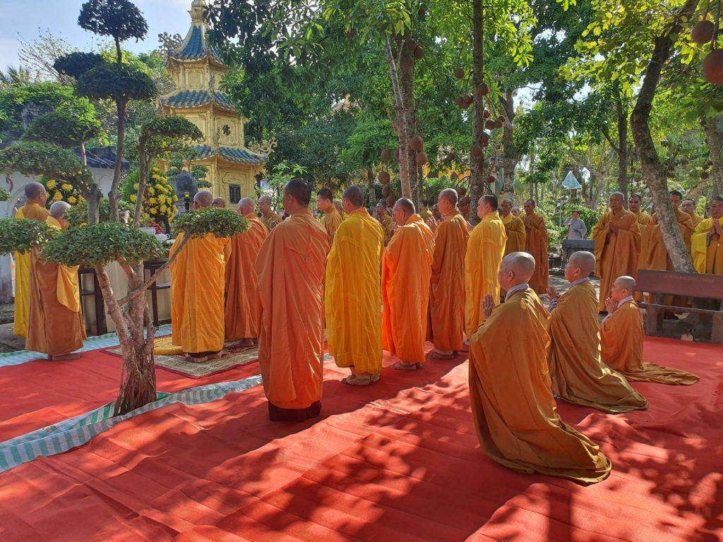 Bến Tre: Lễ tảo Tháp chùa Hội Tôn và BTS PG huyện Châu Thành khánh tuế chư Tôn Hòa thượng