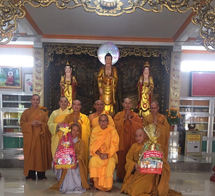 Bến Tre: BTS GHPGVN huyện Chợ Lách khánh tuế chư Tôn Giáo phẩm và chúc tết lãnh đạo Chính quyền