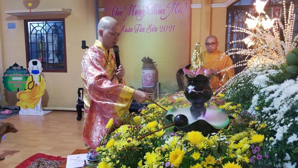 Bến Tre: Chùa Liên Trì trang nghiêm tổ chức Đại lễ Phật Đản PL.2565 và tặng quà cho người nghèo